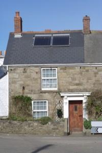 Over 80% of farmers want solar roofs by 2013